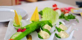 איך נעזור לילדים שלנו לאכול בריא